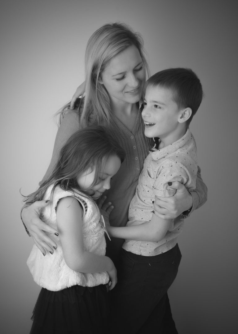 mum and children photo Enfield family photographer